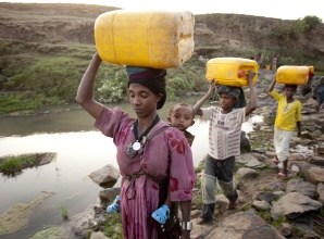 Women Carrying Water in Ethiopia (Esther Havents Photo Credit)